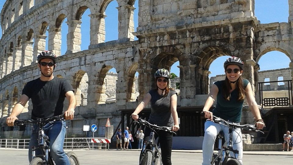 bike tour pula