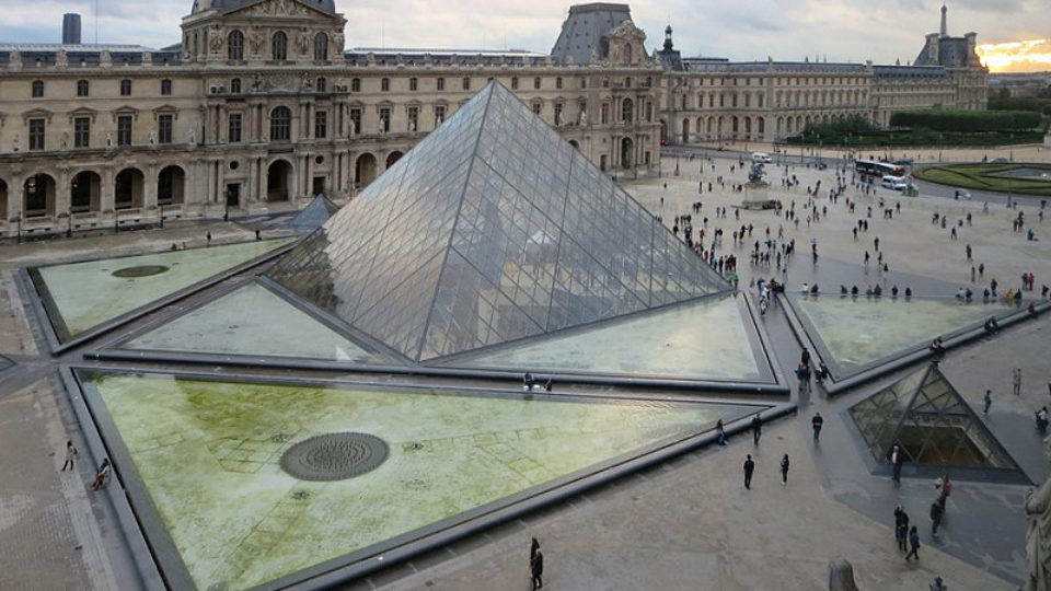 mm_louvre_paris