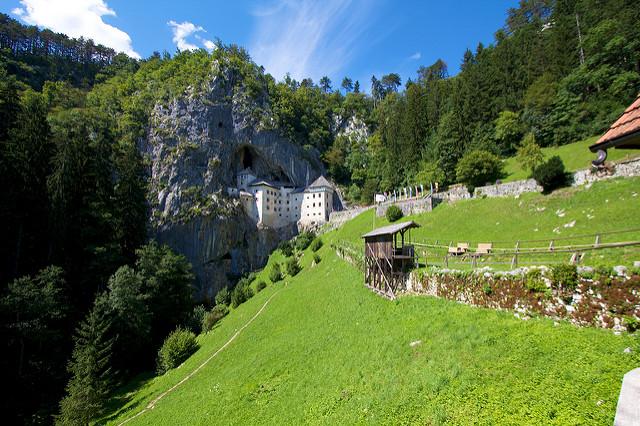 mm_predjama dvorac