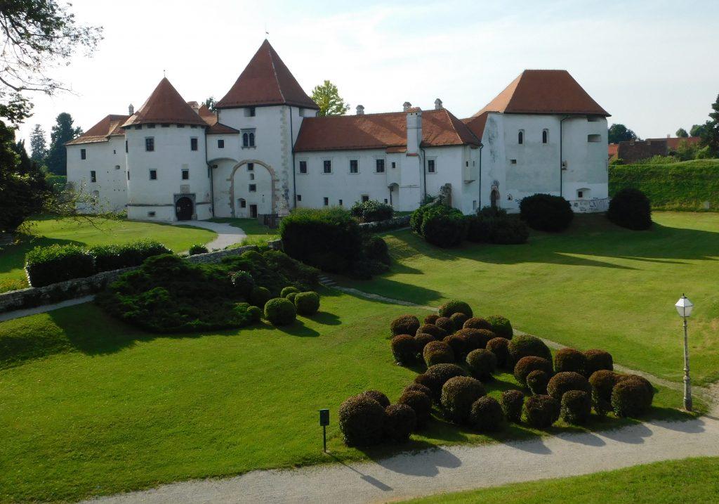 Stari_grad_Varaždin_i_zelenilo